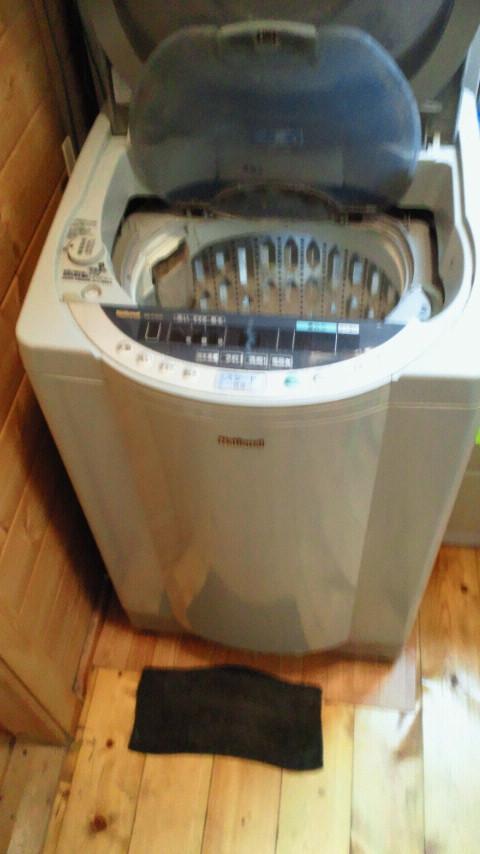 洗濯機を洗濯なう。